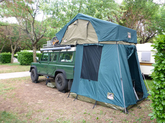 The Tembo 4x4 Rooftop Tent can be ordered in three sizes 140 cm 160 cm and 190 cm wide and in two shapes with or without overhang and optional Annex ... & Sweet dreams in the Tembo 4x4 Rooftop Tent